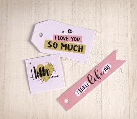 Set von gedruckten Etiketten mit Liebesbotschaften
