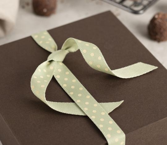 Mint-green spotty ribbon