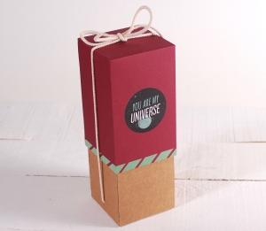 Decoración original caja de vino con folder