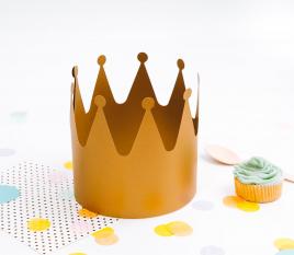 Krone aus Pappe
