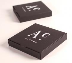 Caja negra elegante