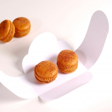 Caja decorada para dos macarons