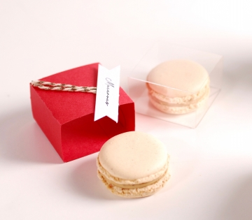 Box for one macaroon