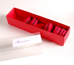 Long decorated box for macaroons
