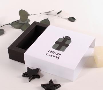 Caja cuadrada para regalos navideños