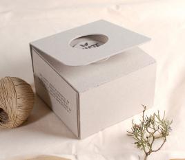 Schachtel zum Selbstmontieren aus 100% recyceltem Karton hergestellt