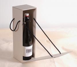Flaschenbox mit Deckel und Schnur